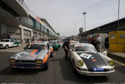 #106 Ford Escort MK1: Jürgen Schaum, Hans-Jürgen Will et #34 Porsche 911: Siegfried Lapawa, Michael