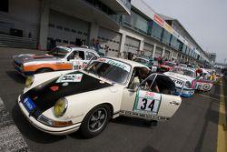 #106 Ford Escort MK1: Jürgen Schaum, Hans-Jürgen Will et #34 Porsche 911: Siegfried Lapawa, Michael Roock