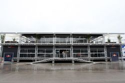 yeni Red Bull Racing ve Scuderia Toro Rosso motorhome