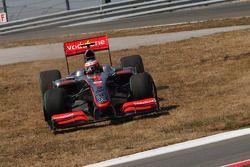 Heikki Kovalainen, McLaren Mercedes en dehors de la piste