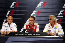 John Howett, Toyota F1 Team, President TMG, Stefano Domenicali, Scuderia Ferrari, Sporting Director,