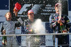 Podium: Sieger Button, Brawn GP, 2. Platz Mark Webber, Red Bull Racing, 3. Platz Sebastian Vettel, R