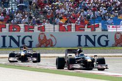 Sébastien Bourdais, Scuderia Toro Rosso devance Mark Webber, Red Bull Racing