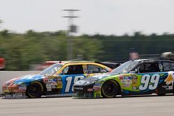 Kyle Busch, Joe Gibbs Racing Toyota, Carl Edwards, Roush Fenway Racing Ford