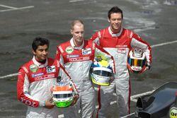 #14 Team Kolles Audi R10 TDI: Narain Karthikeyan, Charles Zwolsman, André Lotterer