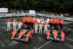 #14 Team Kolles Audi R10 TDI: Narain Karthikeyan, Charles Zwolsman, André Lotterer, #15 Team Kolles Audi R10 TDI: Christijan Albers, Christian Bakkerud, Giorgio Mondini