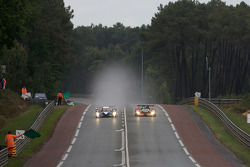 #7 Team Peugeot Total Peugeot 908: Christian Klien, Pedro Lamy, Nicolas Minassian, #26 Bruichladdich