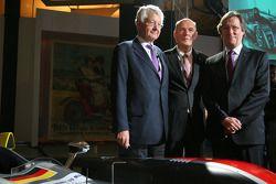 Wolfgang Ullrich, Jean Claude Plassart et Daniel Poissenot avec l'Audi R10 TDI