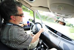 Motorsport.com's Eric Gilbert drives to Arnage with a Red Bull in hand and the iPod blasting