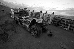 Lucas Luhr after his crash at Porsche Curve
