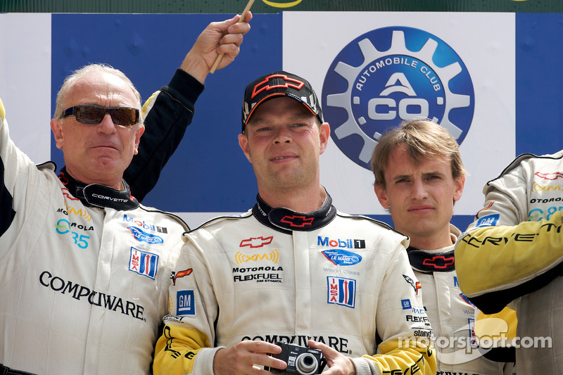 2009: LMGT1 podium: class winners Jan Magnussen and Antonio Garcia