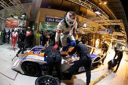 Arrêt pour la #39 KSM Lola Mazda Spider: Hideki Noda, Matthew Marsh, Jean de Pourtales