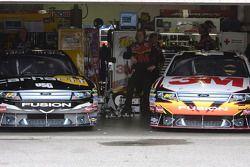 Matt Kenseth, Roush Fenway Racing Ford et Greg Biffle, Roush Fenway Racing Ford