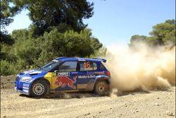 Patrik Sandell et Emil Axelsson, Skoda Fabia S2000, Red Bull Rally Team