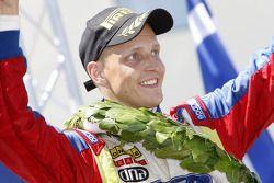Podium: le vainqueur Mikko Hirvonen, Ford Focus RS WRC08, BP Ford Abu Dhabi World Rally Team