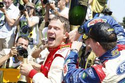 Podium: seconde place pour Sébastien Ogier, Citroen Junior Team Citroen C4 WRC