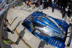 Pit stop for #33 Speedy Racing Team Sebah Lola Judd Coupe: Xavier Pompidou, Benjamin Leuenberger, Jo