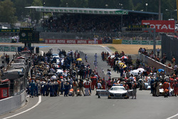 Race starting grid activity