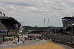 Race starting grid activity
