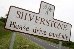 Señales de la aldea de Silverstone