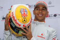 Lewis Hamilton, McLaren Mercedes, ve specially designed, kask for this race