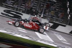 Scott Dixon, Target Chip Ganassi Racing and Marco Andretti, Andretti Green Racing