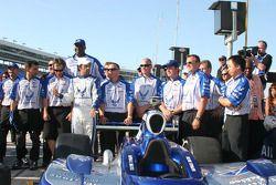 Le commissaire Shaquille O'Neal et le Team Luzco Dragon Racing