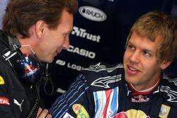 Кристиан Хорнер, спортивный директор Red Bull Racing и Себастьян Феттель, Red Bull Racing