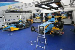 Les voitures de Davide Valsecchi et Nelson Panciatici dans le garage Durango