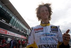 Romain Grosjean célèbre sa pole position