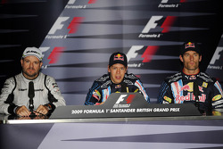 La conférence de presse: le poleman Sebastian Vettel, Red Bull Racing, seconde place Rubens Barrichello, Brawn GP, troisième place Mark Webber, Red Bull Racing