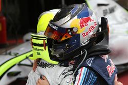 Le vainqueur Sebastian Vettel, Red Bull Racing, troisième place pour Rubens Barrichello, Brawn GP