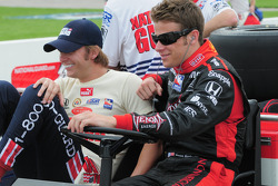 Dan Wheldon, Panther Racing talking with Marco Andretti, Andretti Green Racing