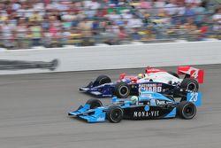 Tomas Scheckter, Dreyer & Reinbold Racing et Dan Wheldon, Panther Racing courrent ensemble