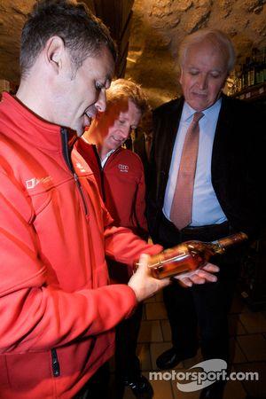 Hand imprint ceremony: Tom Kristensen and Allan McNish at the reception