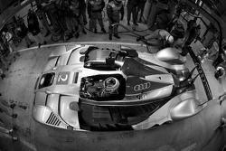 Pit stop for #2 Audi Sport Team Joest Audi R15 TDI: Marco Werner, Lucas Luhr, Mike Rockenfeller