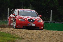 Marin Colak, Colak Racing Team Ingra, Seat Leon 2.0 en dehors de la piste