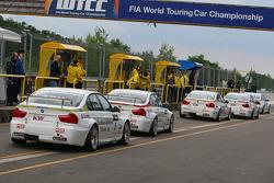 Augusto Farfus, BMW Team Germany, BMW 320si, Jorg Muller, BMW Team Germany, BMW 320si, Sergio Hernandez, BMW Team Italy-Spain, BMW 320si, Alex Zanardi, BMW Team Italy-Spain, BMW 320si and Andy Priaulx, BMW Team UK, BMW 320si