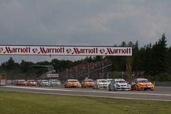 Yvan Muller, Seat Sport, Seat Leon 2.0 TDI, Felix Porteiro, Scuderia Proteam Motorsport, BMW 320si
