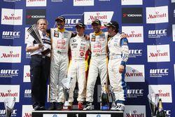 Friedhelm Nohl, Yvan Muller, Seat Sport, Sergio Hernandez, BMW Team Italy-Spain, Tiago Monteiro, Seat Sport, Felix Porteiro, Scuderia Proteam Motorsport