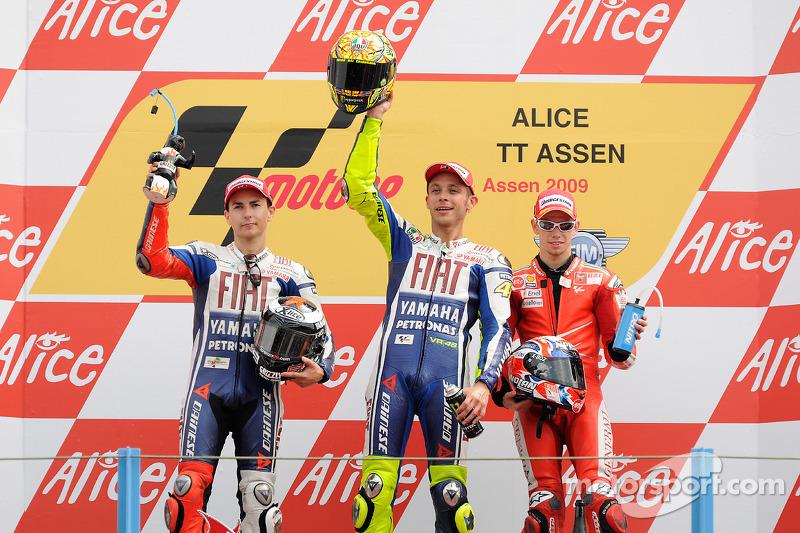Podio: il vincitore Valentino Rossi, Fiat Yamaha Team, e il secondo classificato Jorge Lorenzo, Fiat Yamaha Team,