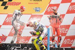 Podium: 1. Valentino Rossi, 2. Jorge Lorenzo, 3. Casey Stoner