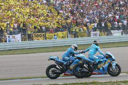 Loris Capirossi, Rizla Suzuki MotoGP et Chris Vermeulen, Rizla Suzuki MotoGP
