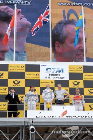 Podium: le vainqueur Jamie Green, Persson Motorsport, AMG Mercedes C-Klasse, seconde place Bruno Spengler, Team HWA AG, AMG Mercedes C-Klasse, trosième place Mattias Ekström, Audi Sport Team Abt Audi A4 DTM , Ingmar Persson, Team principal de Persson Moto