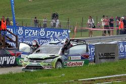 Jari-Matti Latvala and Miikka Anttila, Ford Focus RS WRC08, BP Ford Abu Dhabi World Rally Team crash