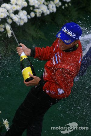 Le podium GT500 : le vainqueur Ronnie Quintarelli