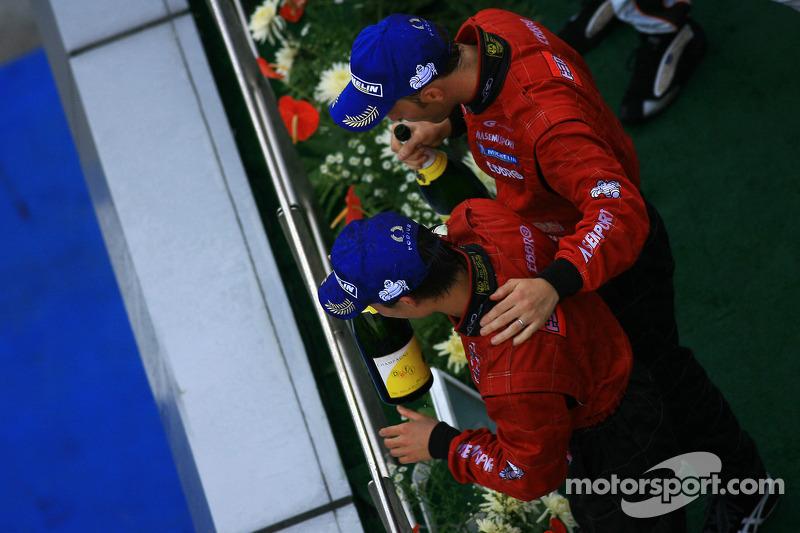GT500 podium: class and overall winners Ronnie Quintarelli and Hironobu Yasuda