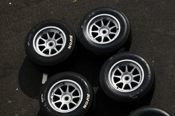 Avon tyres and wheels