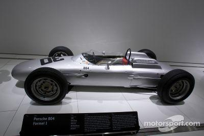 Музей Porsche, Цуффенхаузен, Германия