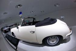 1954 Porsche 356 C 1600 SC Cabriolet polizei